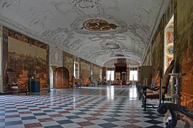 Dvorci koje verovatno nikada nećete posedovati - Page 4 Rosenborg-4
