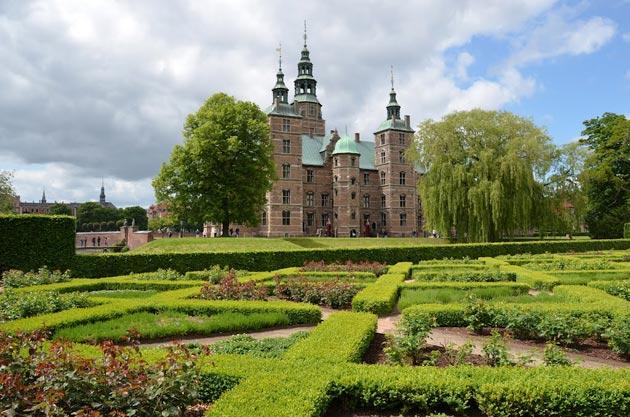 Dvorci koje verovatno nikada nećete posedovati - Page 4 Rosenborg-8