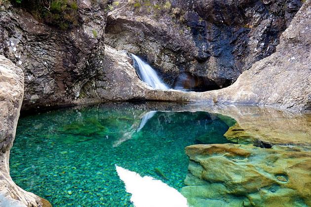 Škotska - Page 2 Fairy-Pools-8
