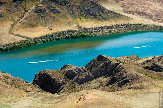 Balhaško jezero: Slatko-slano jezero, Kazahstan Balhasko-jezero-1