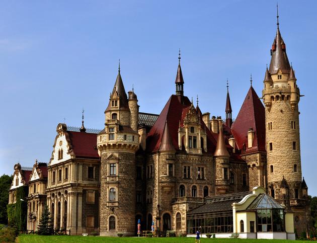 Dvorci koje verovatno nikada nećete posedovati - Page 4 Dvorac-Moszna-2