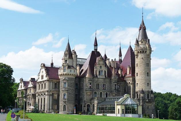 Dvorci koje verovatno nikada nećete posedovati - Page 4 Dvorac-Moszna-4