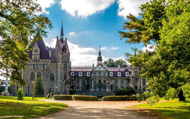 Dvorci koje verovatno nikada nećete posedovati - Page 4 Dvorac-Moszna-5