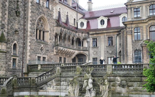 Dvorci koje verovatno nikada nećete posedovati - Page 4 Dvorac-Moszna-7