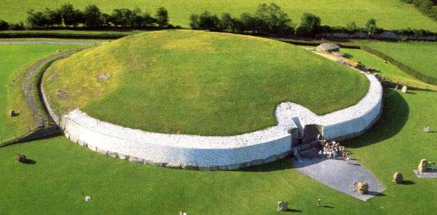 Drevna arhitektura - Page 3 Newgrange