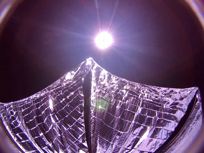 Atlas V (AFSPC-5, X37-B, Lightsail-A) - 20.05.2015 - Page 4 20150609_ls-a-sails-out_f840