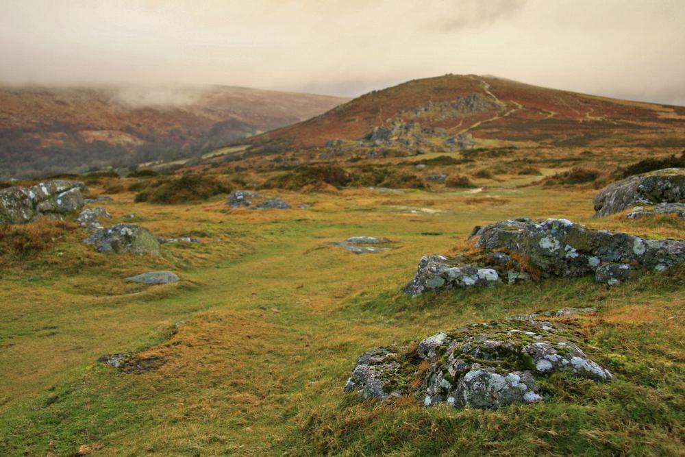 Mythes et légendes du Dartmoor : La Pierre de cercueil ! By Jack35 (2 vidéos sur Bidfoly.com) Dartmoor-34-1434975341