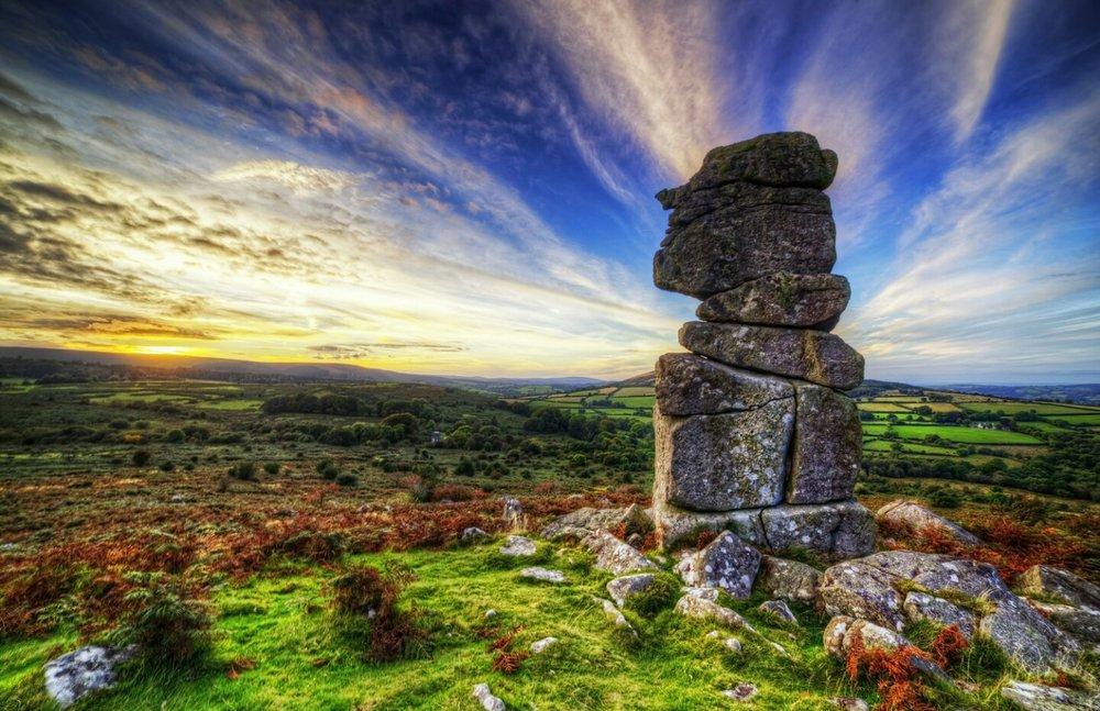 Mythes et légendes du Dartmoor : La Pierre de cercueil ! By Jack35 (2 vidéos sur Bidfoly.com) Upload