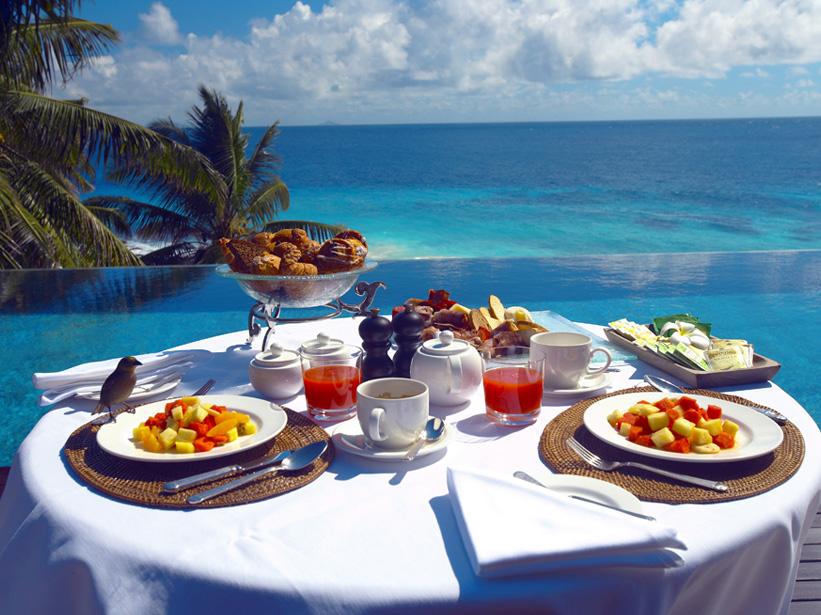mardi 30 septembre Seychelles-fregate-island-villa-breakfast