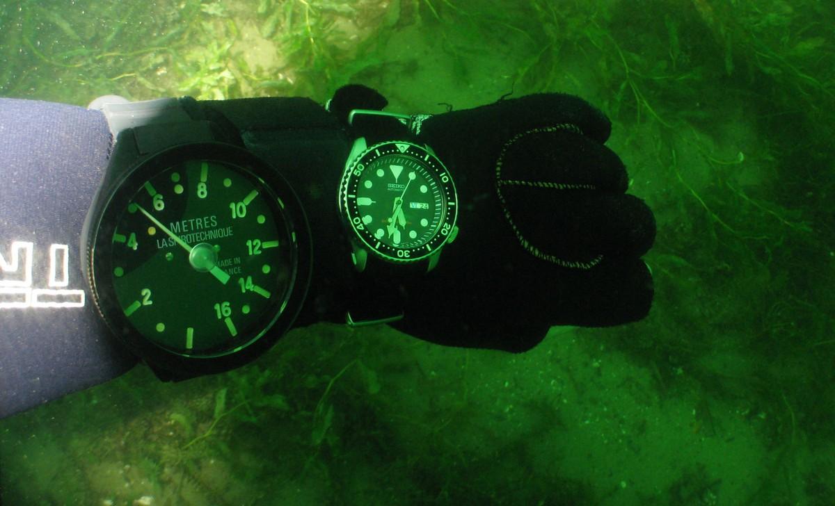 je plonge avec une montre dans la baignoire et ailleurs IMG_0518web_0ecefx9z