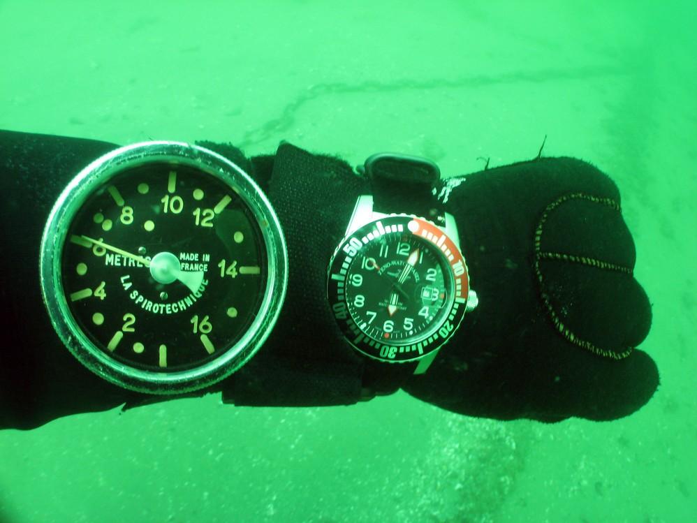 je plonge avec une montre dans la baignoire et ailleurs Img_0903web