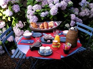 Jeudi 23 juin Petit-dejeuner-jardin-MD-Photo-Filtre2