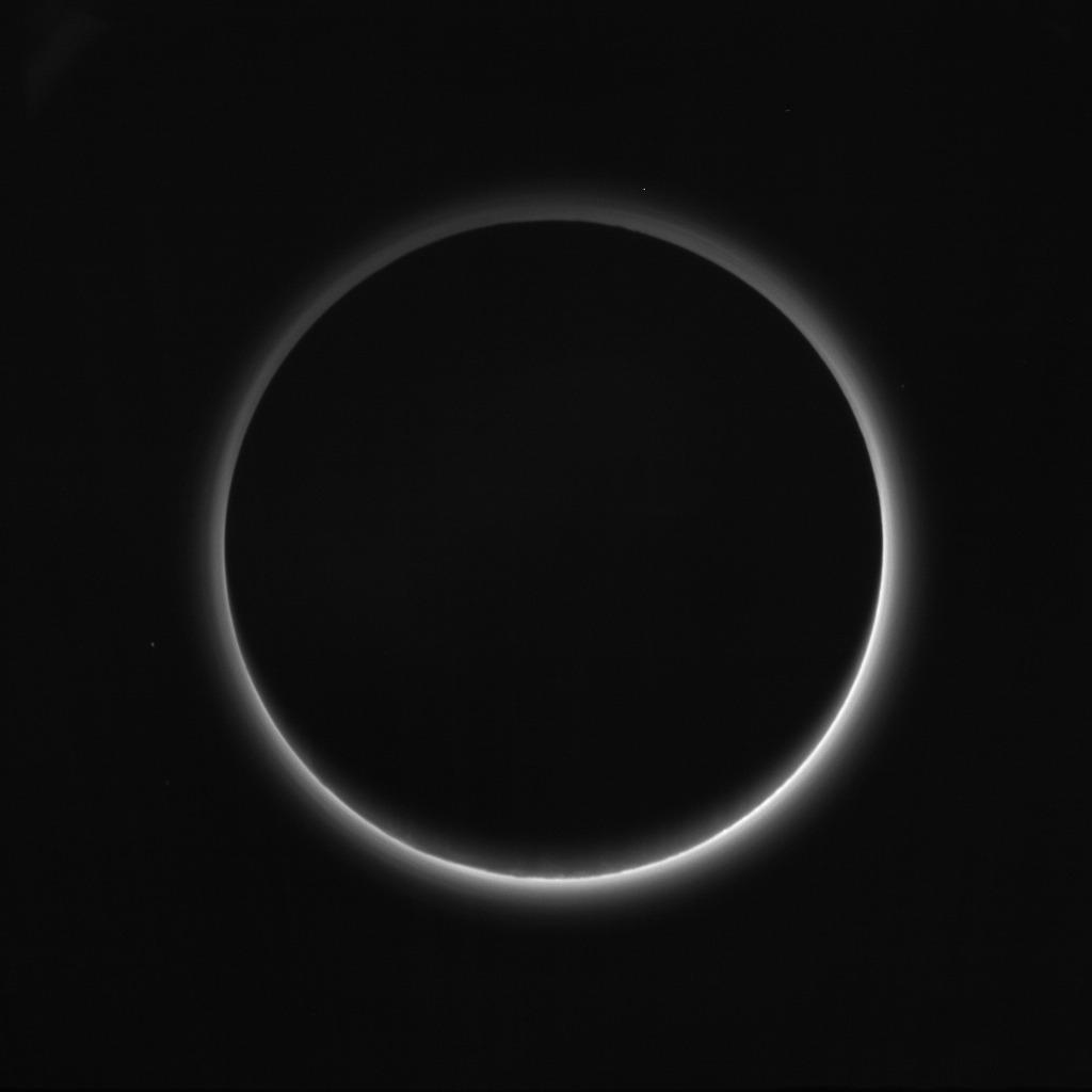 New Horizons : survol de Pluton (1/2) - Page 37 Lor_0299236809_0x630_sci_3