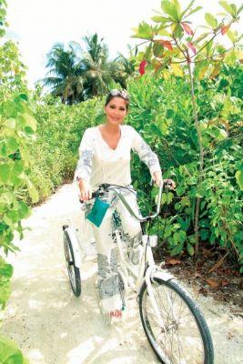 اليسا في جزر المالديف C939fea656
