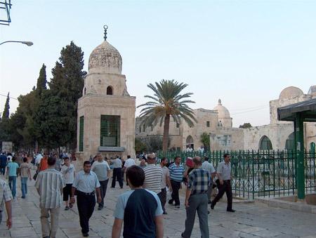تقرير مصور حتي تظل القدس بالقلب 8_3