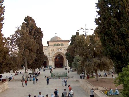 تقرير مصور حتي تظل القدس بالقلب 9_3