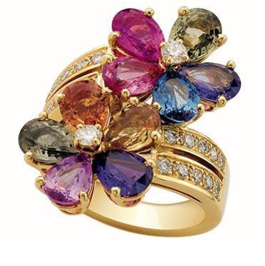 مجوهرات رائعة  JW_Bulgari_Ring_Sapphire-Flower_AN853207