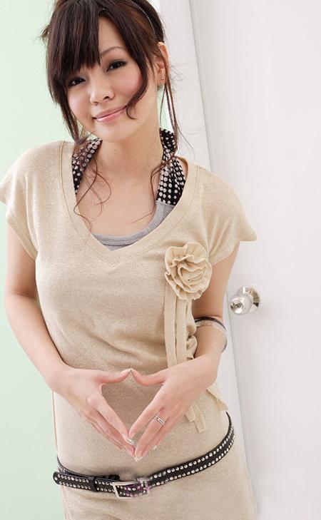 اجمل البوم صور ملابس للفتيات .. الالوان جذابة Ycq08799