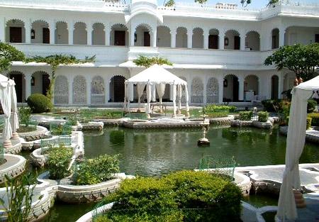 فندق بالهند إستغرق بناؤه 11 سنة .. 13_24