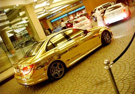 سيارة مصنوعة من الذهب 35