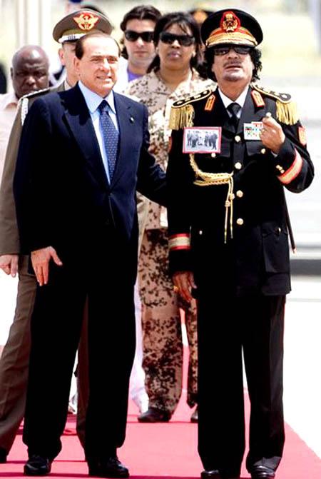 صور لقائد نا العظيم معمر القذافي 3_23