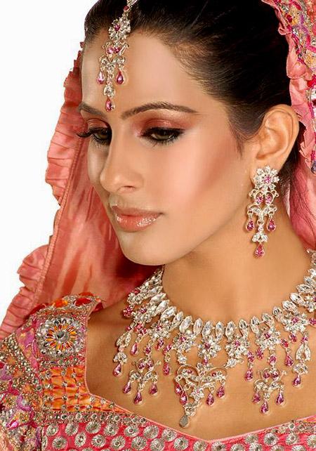 لينعم وجهك بالماكياج الهندي , البوم صور H_1