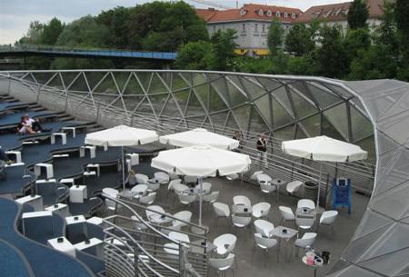 +++ اجمل مطعم في اوروبا وسط النهر +++ 10_2