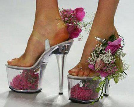 صور اغرب صنادل وأحذية في العالم 11030213503982
