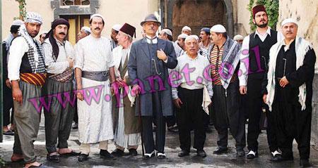 الملا يستعد لتصوير الجزء السادس من باب الحارة Bab25