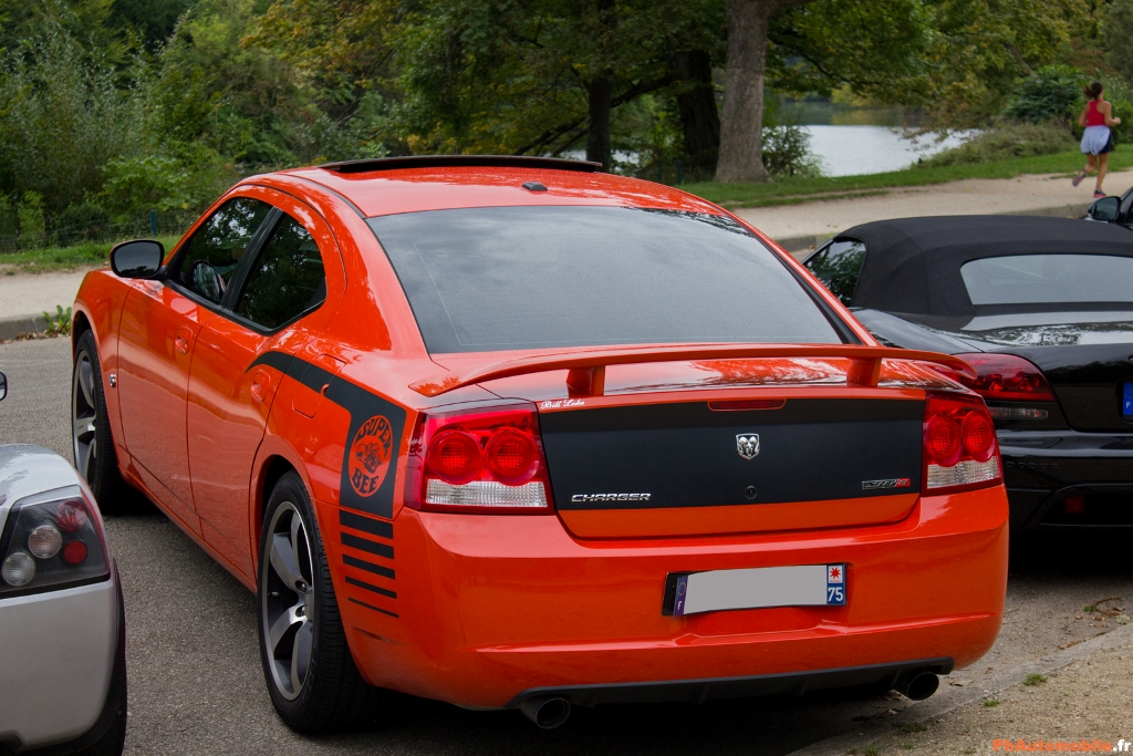 Dodge Charger SRT-8 Super Bee 2009 - Page 3 Car_and_coffee_04