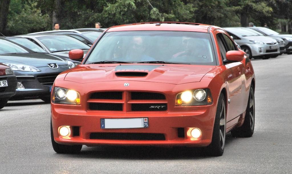 Dodge Charger SRT-8 Super Bee 2009 - Page 3 Coming_soon