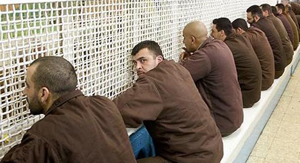 16 مارس بداية تكامل الانتفاضة الفلسطينية واستمرار التخبط الاسرائيلي .. اقتحام السجون ! 123456890acdefgijkmnoqrstuvwxz-607x330