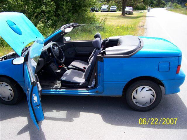 Un beau convertible  BlueFirefly_640_480