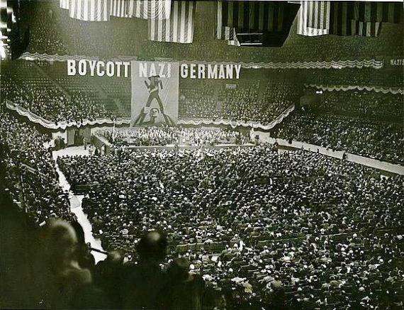 Segunda Guerra Mundial - Página 2 MSG_III_1937_Anti-Nazi_Rally-570x437