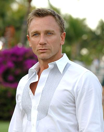 PEINTURE : visage d un acteur a l acrylique  Daniel_craig