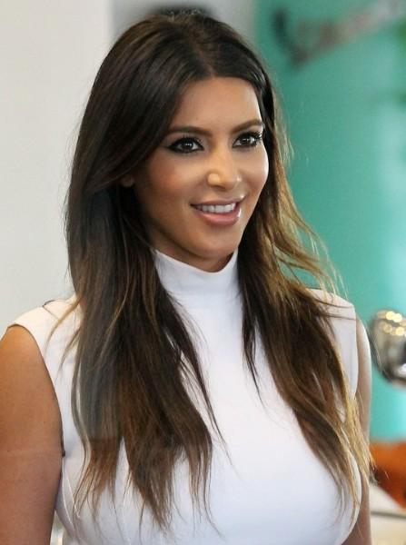 ¿Cuánto mide Kim Kardashian? - Altura - Real height Kim-Kardashian-Casual-Brown-Long-Haircuts-2013