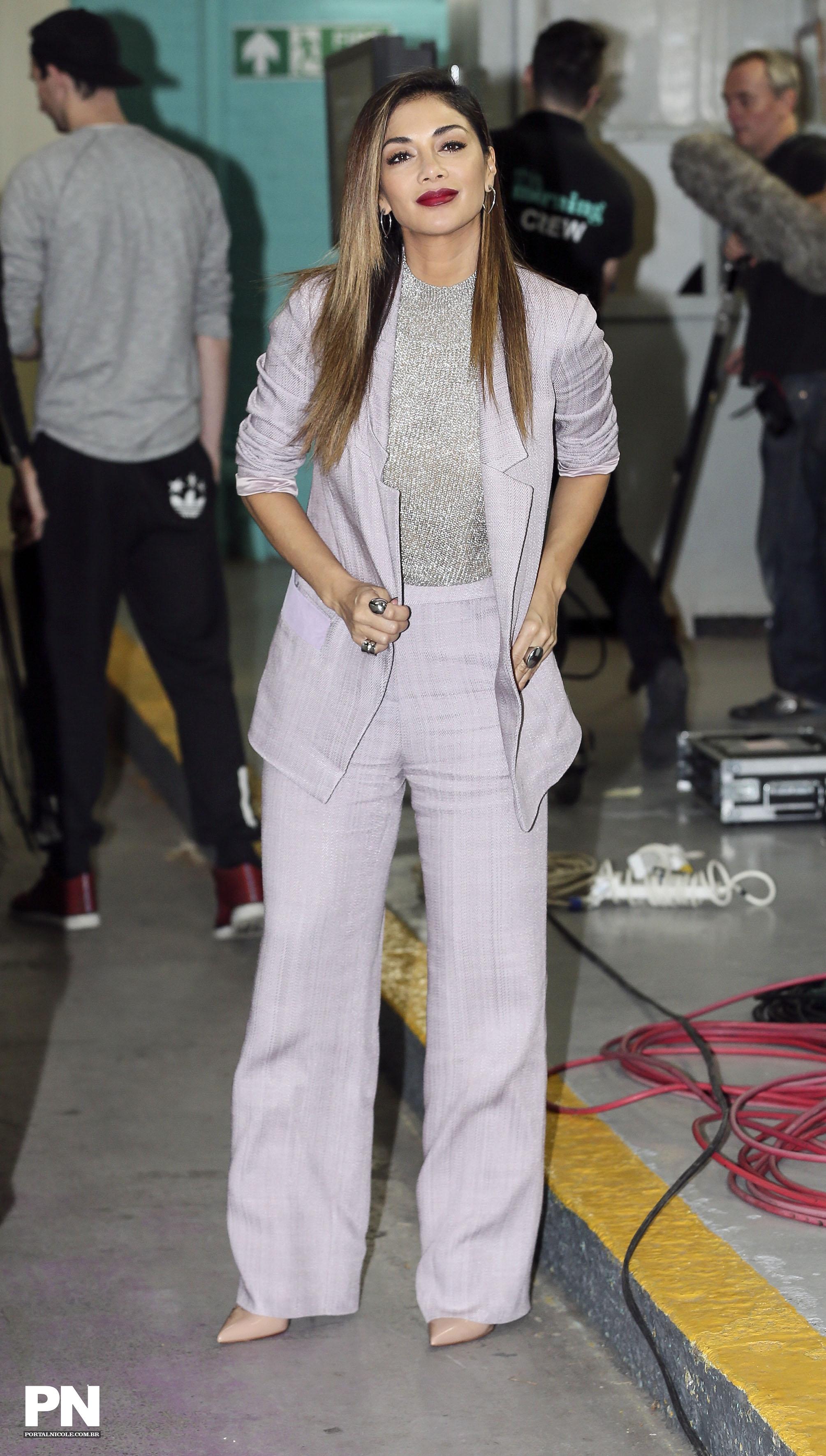 Nicole Scherzinger >> Candids/Apariciones/Shoots - Página 11 000010