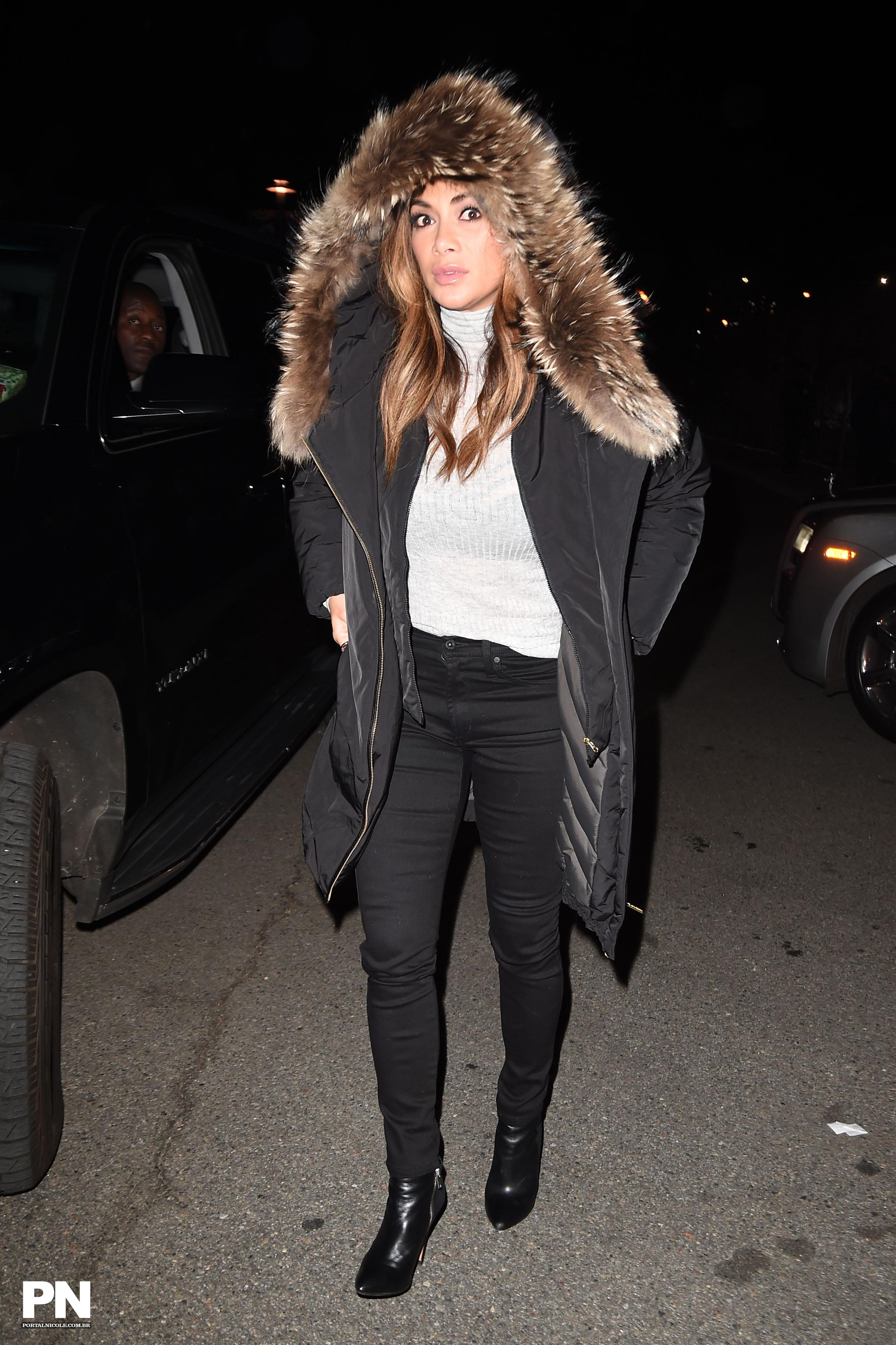 Nicole Scherzinger >> Candids/Apariciones/Shoots - Página 11 002