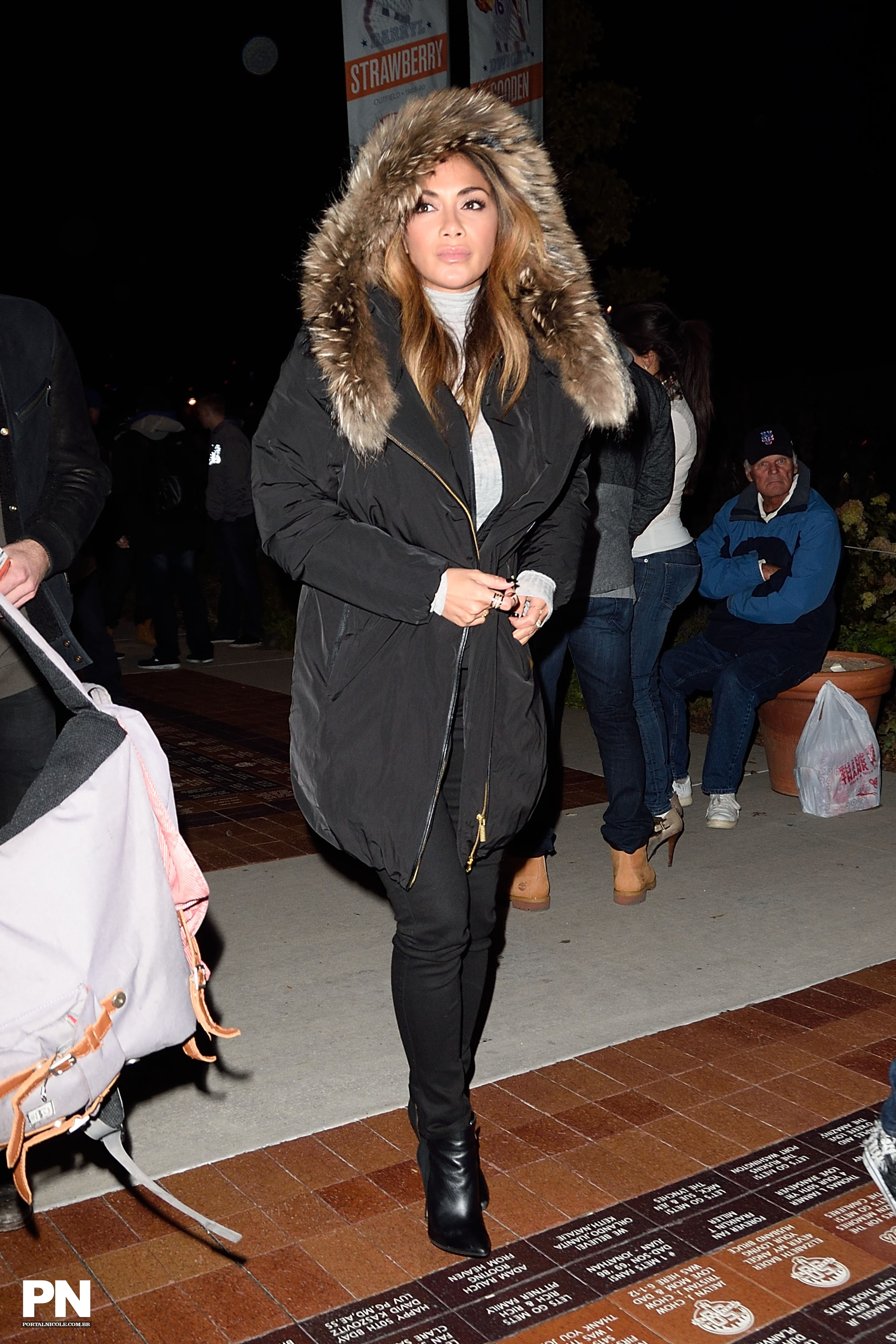 Nicole Scherzinger >> Candids/Apariciones/Shoots - Página 11 003