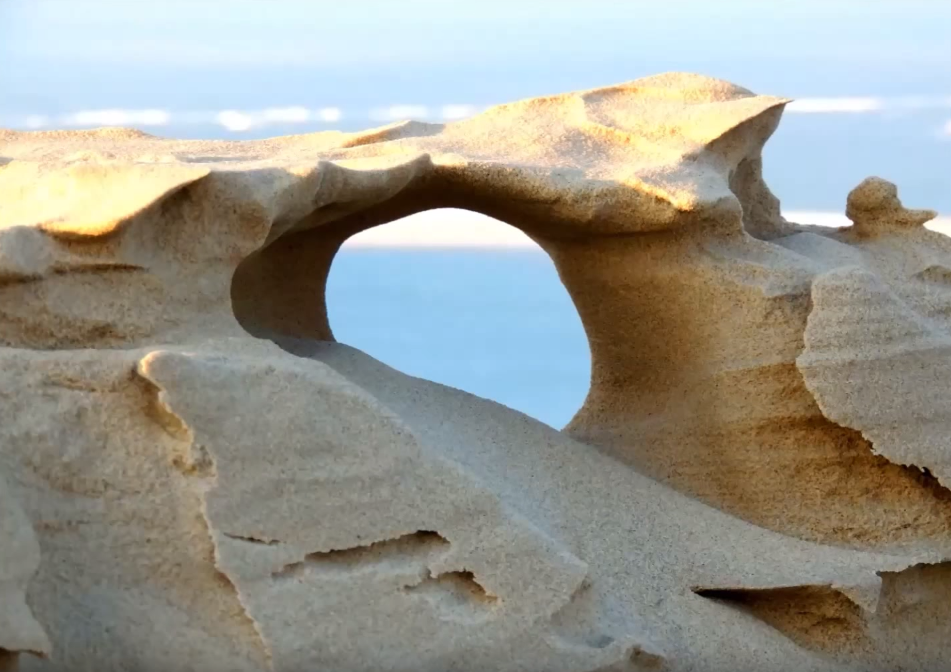 C'est de toute beauté : sites et lieux magnifiques de notre monde. Dune-pilat-froid-vent-sculptures-florian-clement-4