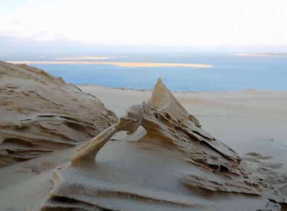 C'est de toute beauté : sites et lieux magnifiques de notre monde. Dune-pilat-froid-vent-sculptures-florian-clement-5