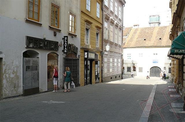 Povijest grada Zagreba - Page 4 Zg-krvavi-most-ulica