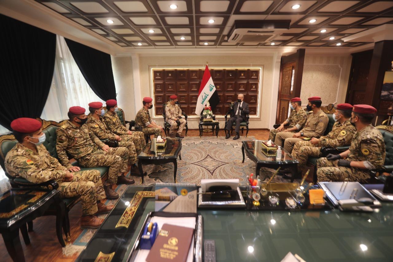 الحداد يثني على جهود فوج حماية مبنى مجلس النواب وإنضباطهم العسكري وتعاملهم المهني Aaa9934d-6af4-4d1e-ba55-fa39ae6537a3