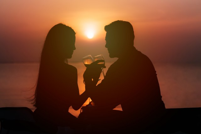 Ljubav i romantika u slici  - Page 10 Par-ljubav-romantika-more