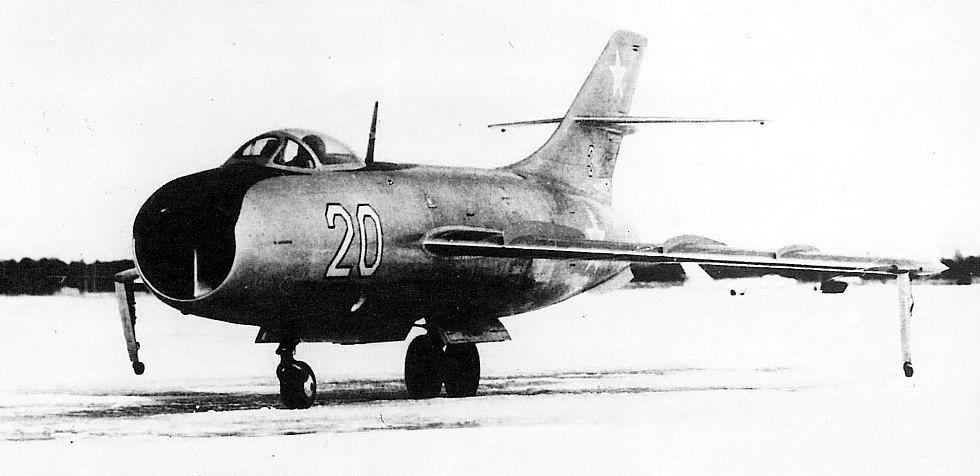YAKOVLEV - avioni konstruktora Jakovljeva Yak50_02