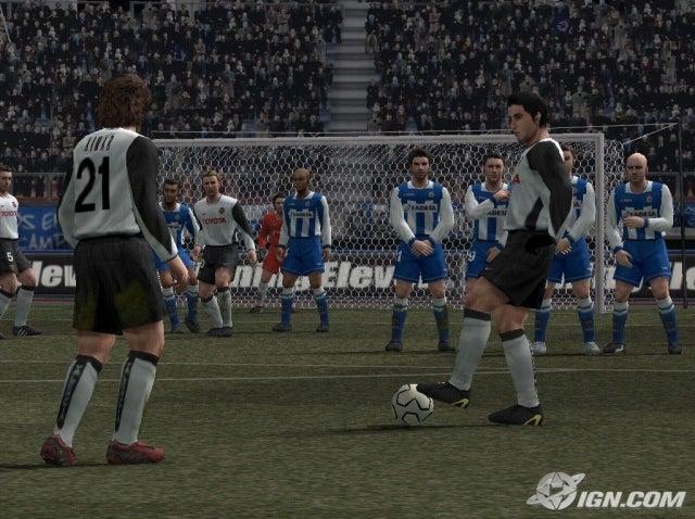 جميع اصدارت لعبة كرة القدم الاولى في العالم Pro Evolution Soccer نسخ فل ريب مضغوطة بمساحات صغيرة Pro-evolution-soccer-4-20040716105954890_640w