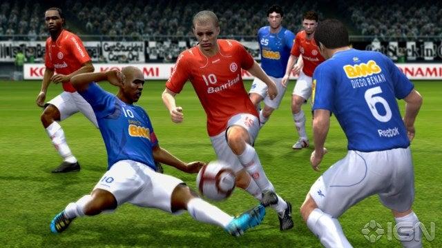 تحميل اللعبة الاكثر جماهيرياً والمعشوقة لعبة pes 2011 بحجم 12 ميجا صدق أو لا تصدق لعبة PRO Evolution Soccer 2011 بحجم 12 ميجا Pro-evolution-soccer-2011-20100615031208414_640w
