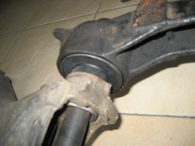 Bras de suspension arrière R11T2 IMG_7942