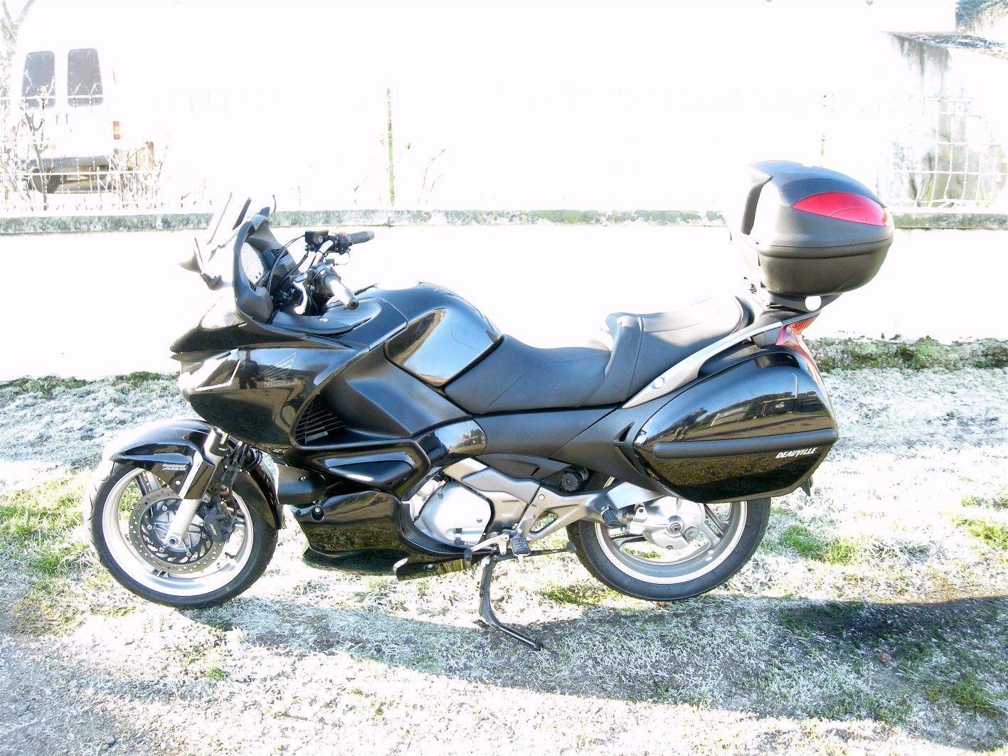 Honda NT 700 V Deuville (La moto de la metropolitana) 3hls61vo