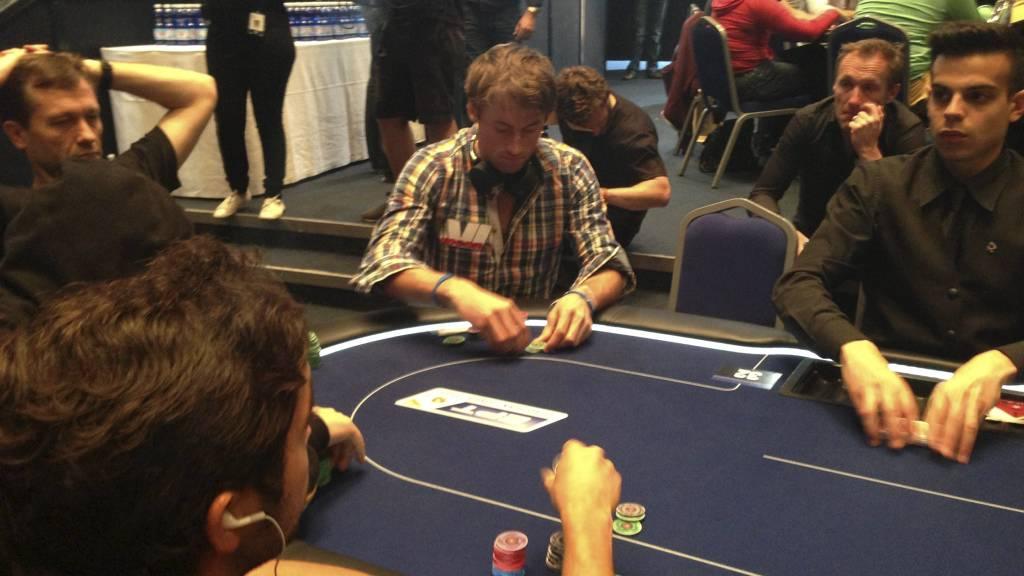Вся норвежская страна делу покера верна! - Страница 6 Petter_Northug_1050710a